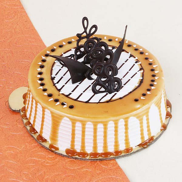 Trendy Delicious Caramel Sweet Cake