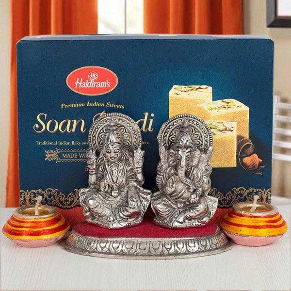 Laxmi Ganesha Delight
