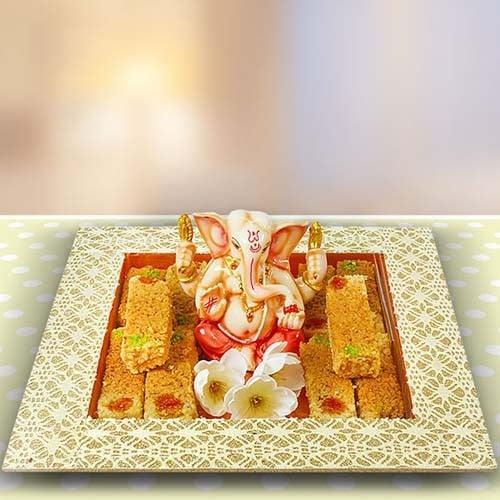 GANESHA IDOL & MILK CAKE HAMPER