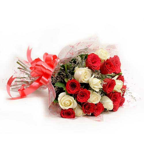 Red N White Roses - Bouquet