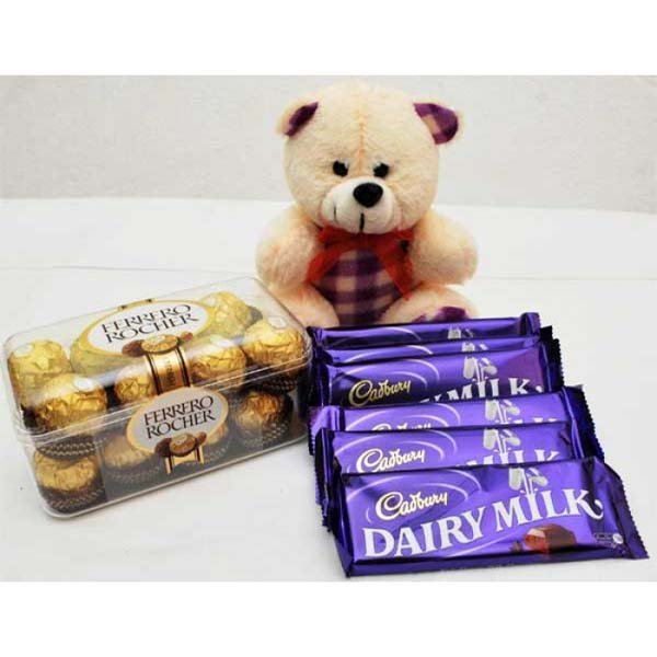 ATTRACTIVE TEDDY ROCHER WITH CHOCOLATES