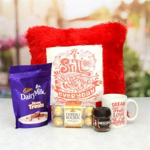 Fall In Love Pillow With Chocolates & Mug Hamper