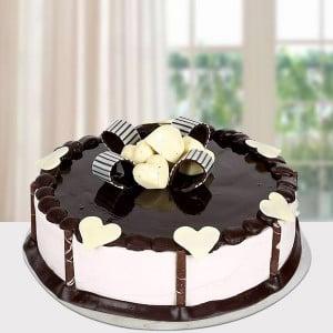 Delicious Chocolate Cake Half Kg