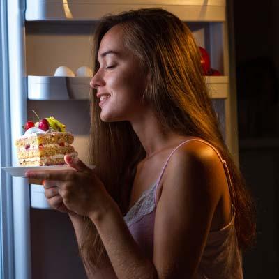Midnight Cake online